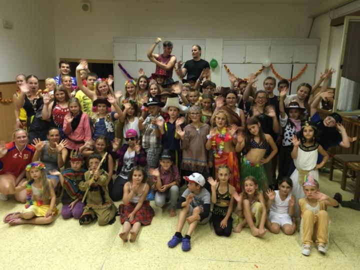 Folklorní tábor - Valaši na cestě kolem světa 2016